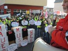 12.11.2013: Protest vor dem Verhandlungslokal in Asperg