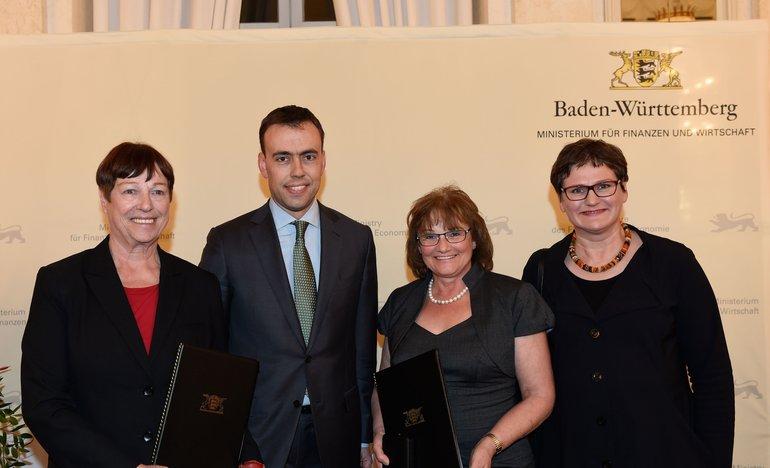 Wirtschaftsmedaille für Helga Immendörfer und Elisabeth Tielsch-Saur