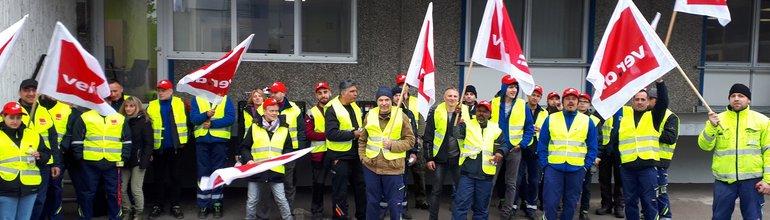 500 Edeka-Beschäftigte protestieren landesweit für höhere Entgelte